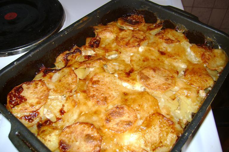 Рецепт холодного борща со свеклой и колбасой