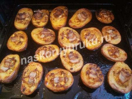 Картошка в духовке с чесноком и укропом рецепт пошагово