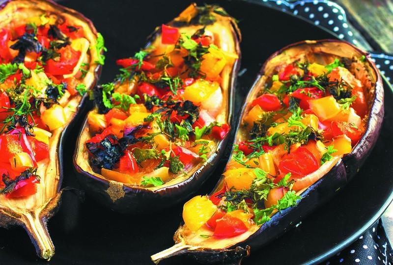 баклажаны с овощами в духовке рецепт
