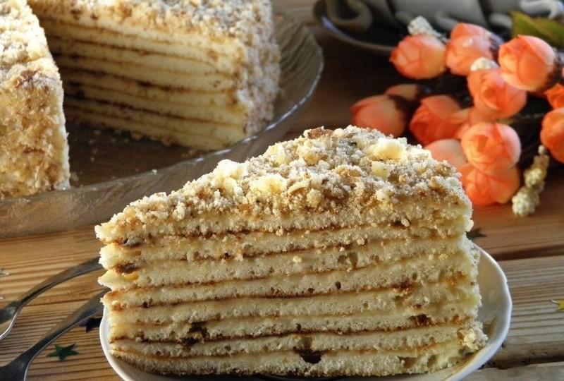 Также способ порадовать родных десертом во время отдыха на даче, где духовка скорее исключение.