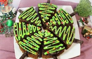 temnoe-shokoladnoe-pirozhnoe-yolka-img1