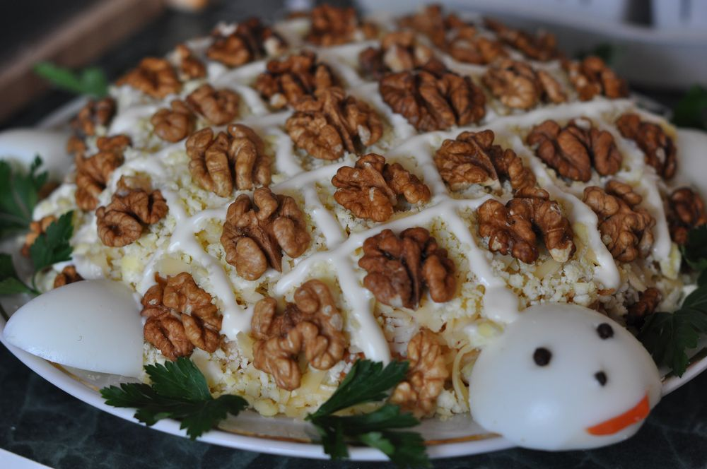салат из курицы с орехами фото рецепт пошагово