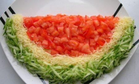 salat-arbuznaya-dolka-s-kuricej