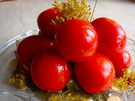 solenye-pomidory-v-bankax-bez-uksusa