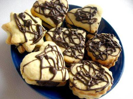 domashnee-pesochnoe-pechene-s-shokoladom