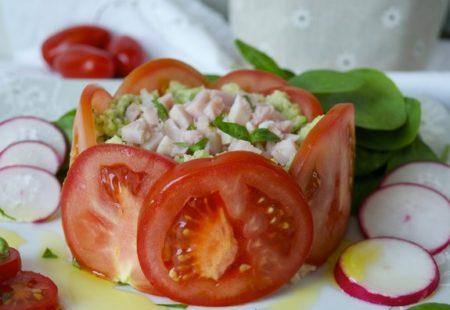 tartar-iz-avokado-i-pomidor