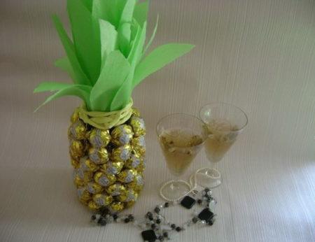 shampanskoe-v-vide-ananasa
