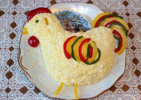 salat-petushok-s-kartofelem-fri-i-ogurcami