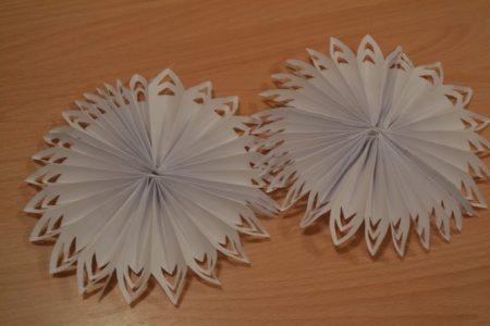 Объемные цветки из бумаги своими руками